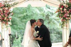https://admin.acornhomeandgarden.com/uploads/thumbnail_acorn_bridal_44_c90207acfc.jpg
